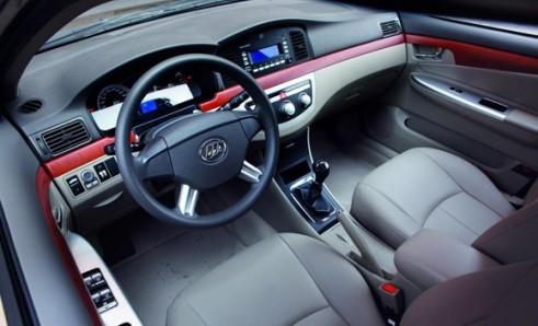 http://carroschineses.files.wordpress.com/2010/06/lifan_620_sedan_interior.jpg